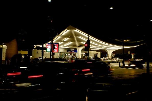Bh_gas_station_080